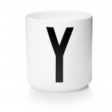 Tasse en porcelaine Y