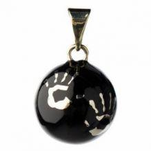 Bola noir avec mains